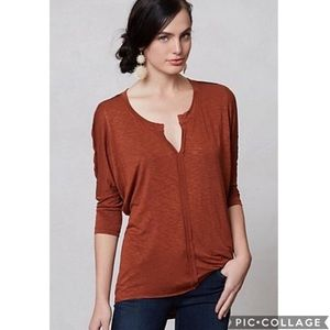 EUC Dolan split neck dolman sleeve tee shirt